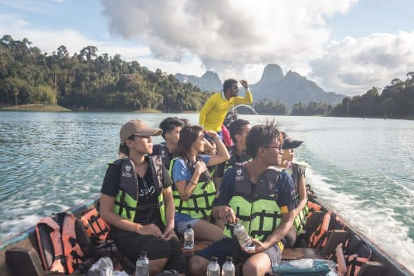 Experience unlimited access to any guided tours in the lake.
